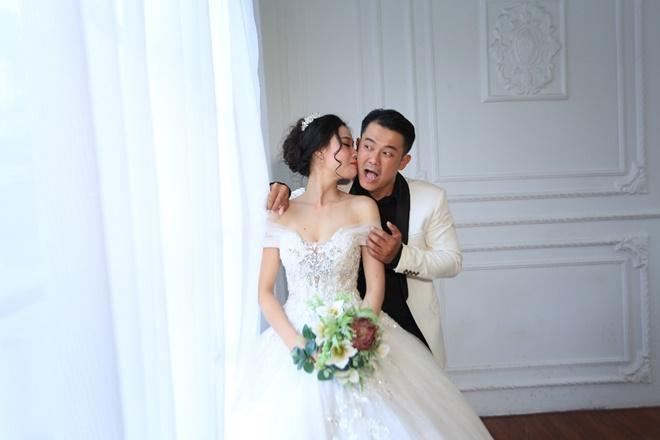 """Sau 2 năm, Vân Quang Long khoe ảnh cưới """"vợ hai"""" kém 10 tuổi - 4"""
