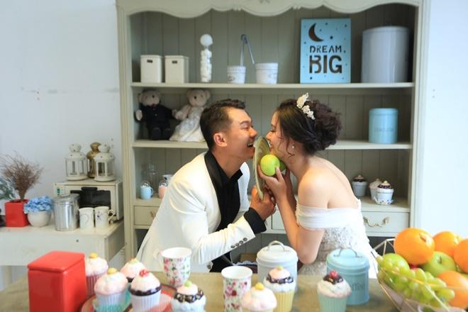 """Sau 2 năm, Vân Quang Long khoe ảnh cưới """"vợ hai"""" kém 10 tuổi - 8"""