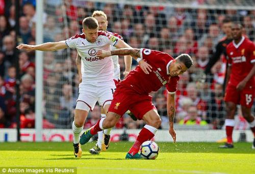 Chi tiết Liverpool - Burnley: 3 mét đá trúng xà ngang (KT) - 7