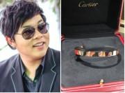 """Quang Lê được tặng  """" vòng tay tình yêu """""""