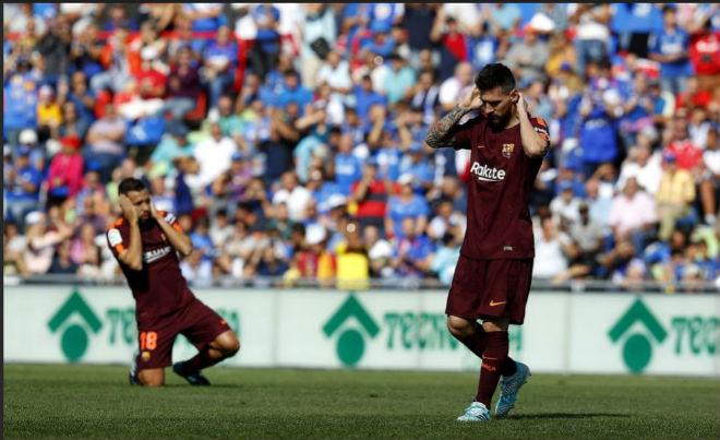 """Messi """"im tiếng"""", Barca lên đỉnh La Liga nhờ """"hàng thải Trung Quốc"""" - 2"""