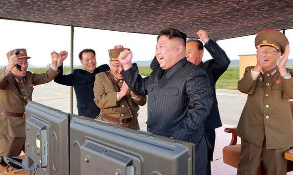 Mỹ sẵn sàng giải pháp quân sự đối phó Triều Tiên - 2