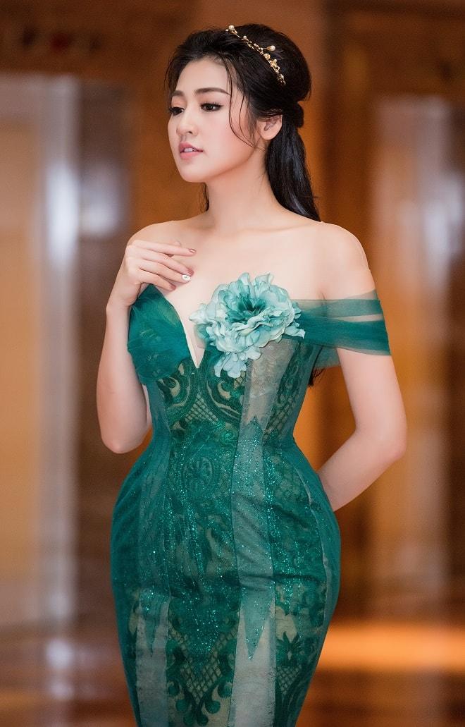 """""""Bạn gái Noo Phước Thịnh"""" mặc buông lơi, ôm sát dáng nữ thần - 3"""