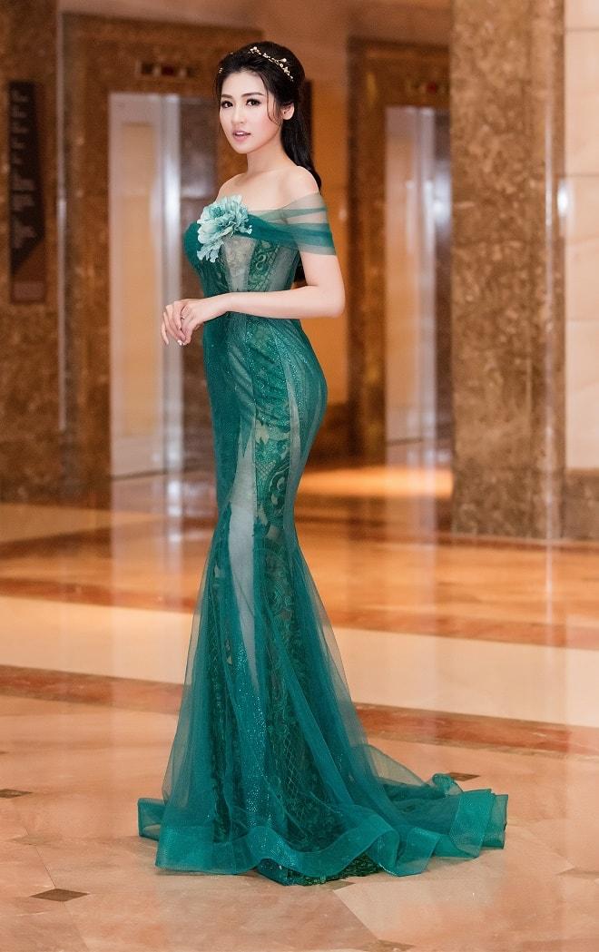 """""""Bạn gái Noo Phước Thịnh"""" mặc buông lơi, ôm sát dáng nữ thần - 7"""