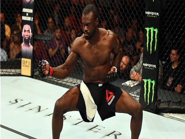 MMA: Kinh điển đo ván 11 giây, chạy như Mayweather đấm tựa McGregor 2