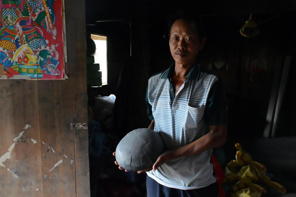 """Kỳ lạ vách đá """"đẻ trứng"""" suốt bao năm qua ở Trung Quốc - ảnh 1"""