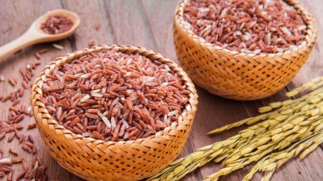 Phụ nữ sau sinh ăn gì để sức khỏe hồi phục toàn diện - 4