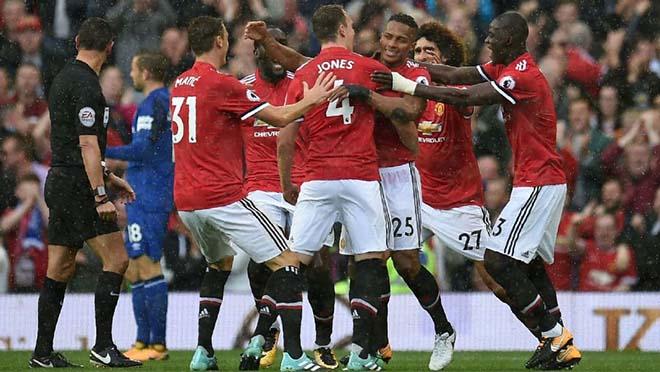 MU - Everton: Siêu phẩm khai màn, đại tiệc mãn nhãn - 1