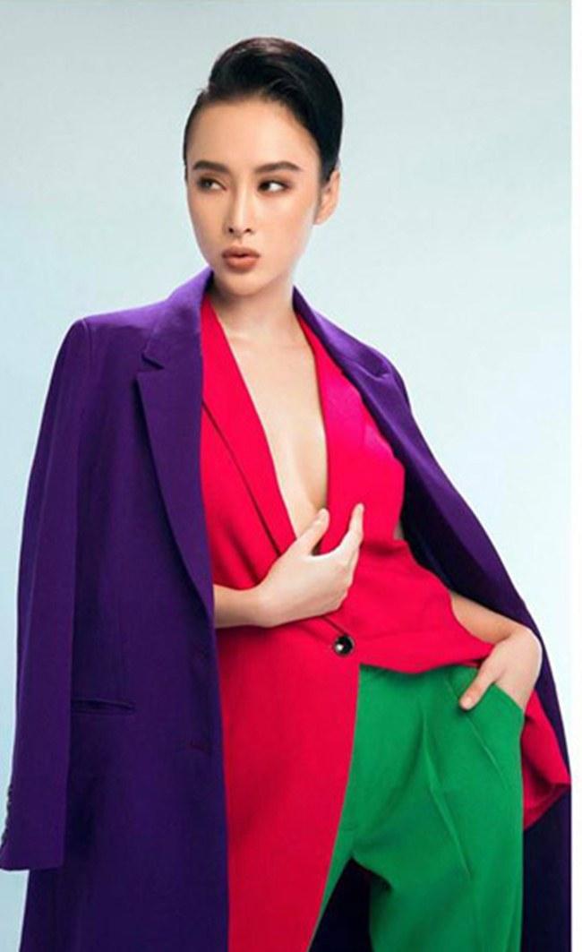 Angela Phương Trinh cũng không thể bỏ qua mốt áo nóng bỏng này. Nữ diễn viên có cách phối đồ đa dạng tạo nên cá tính cho người mặc. & nbsp;