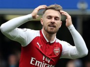 """Ramsey solo  """" cày nát """"  hàng thủ Chelsea, Arsenal đen đủi mất siêu phẩm"""