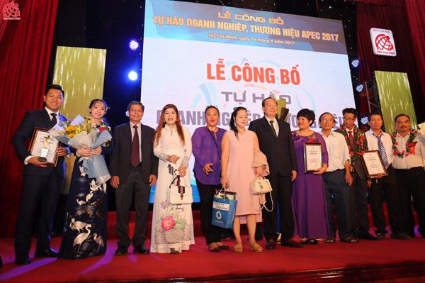 """Việt Hưng Phát được vinh danh """"Top 10 Thương hiệu tiêu biểu APEC- 2017"""" - 4"""