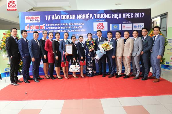 """Việt Hưng Phát được vinh danh """"Top 10 Thương hiệu tiêu biểu APEC- 2017"""" - 5"""