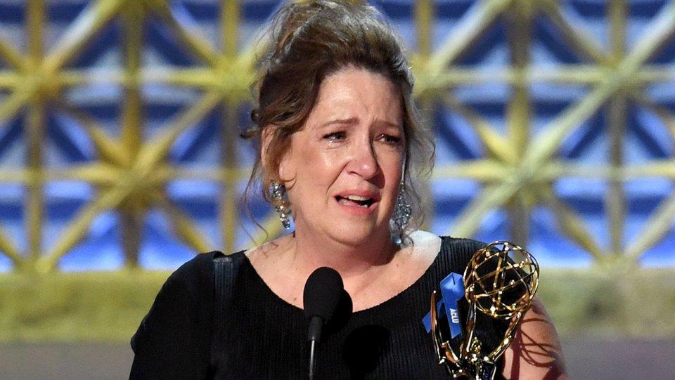 Lễ trao giải Emmy: Vợ cũ Tom Cruise và HBO đại thắng - 4