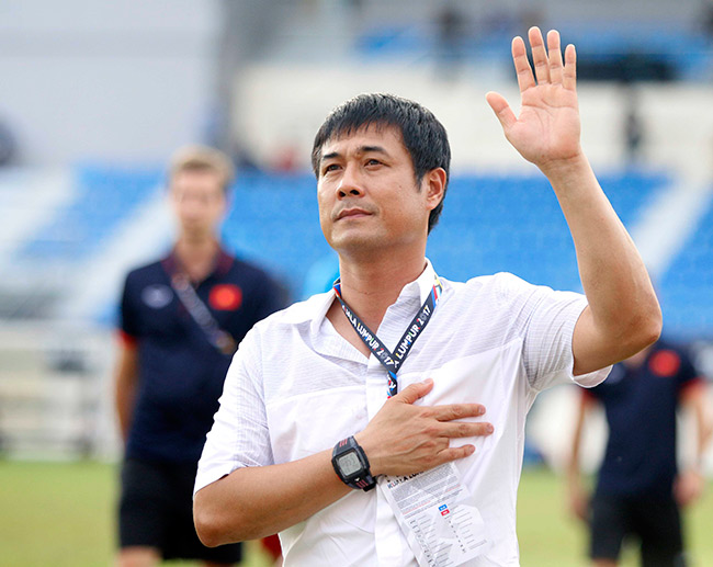 """Giữa """"tâm bão"""", HLV Hữu Thắng không muốn đấu đá với ai - 1"""
