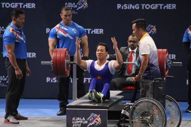 """""""Địa chấn"""" Para Games: 2 lực sỹ Việt phá sâu kỷ lục đại hội 4"""