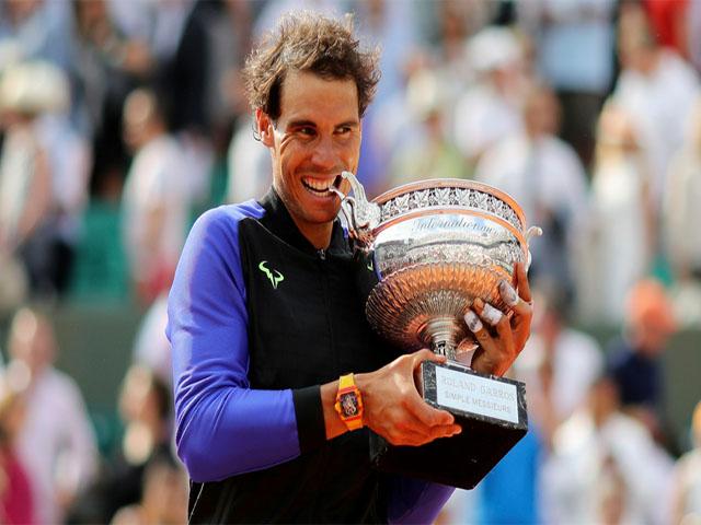 """Nadal - Federer đánh đôi vẫn tham bóng, suýt """"phang"""" vỡ đầu nhau 2"""