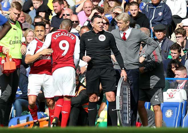 """Arsenal bất ổn: Sanchez cười nhạo vì Lacazette """"chân gỗ"""" - 3"""