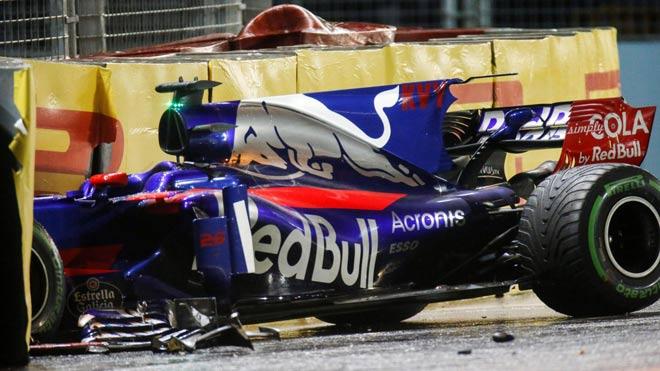 """Đua xe F1, Singapore GP: """"Ngựa chiến"""" tự sát, """"Mũi tên bạc"""" chạm vinh quang 2"""