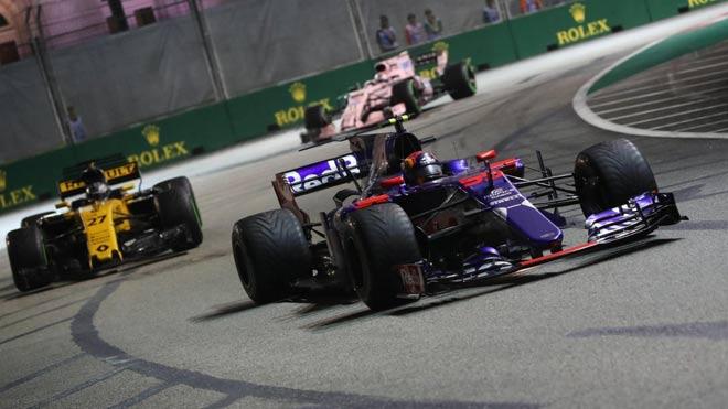 """Đua xe F1, Singapore GP: """"Ngựa chiến"""" tự sát, """"Mũi tên bạc"""" chạm vinh quang 6"""
