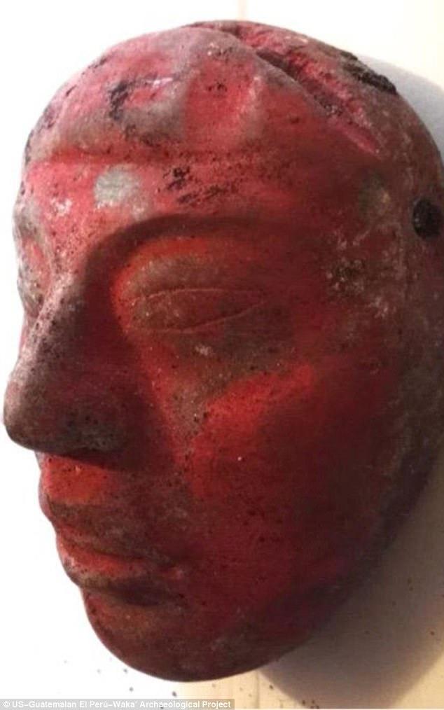 Tìm thấy mộ vua Maya 1.700 năm cùng mặt nạ ngọc cực đẹp - 2