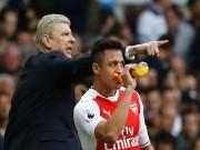 """Arsenal bất ổn: Sanchez cười nhạo vì Lacazette  """" chân gỗ """""""