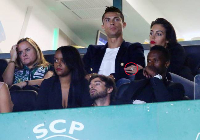 """Ronaldo sắp cưới vợ, đón con gái, ước làm """"người vô hình"""" - 2"""