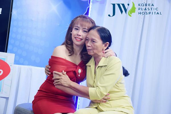Cô gái Tiền Giang được mẹ ủng hộ hết mình khi phẫu thuật hàm hô - 4