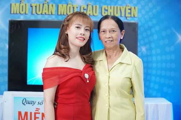 Cô gái Tiền Giang được mẹ ủng hộ hết mình khi phẫu thuật hàm hô - 5