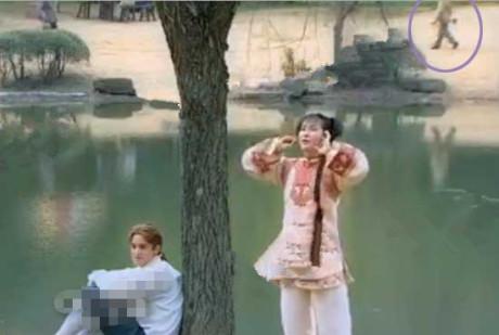 """""""Tân Hoàn Châu cách cách"""" quá nhiều lỗi phim ngớ ngẩn - 2"""