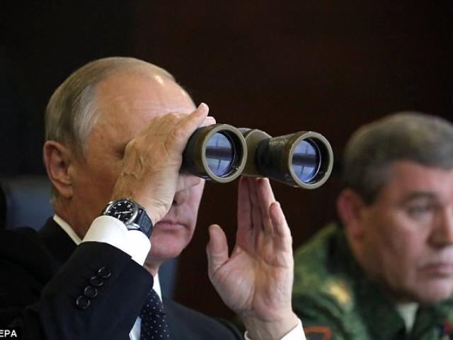 """Tướng NATO cảnh báo Putin đang """"chuẩn bị chiến tranh lớn"""""""