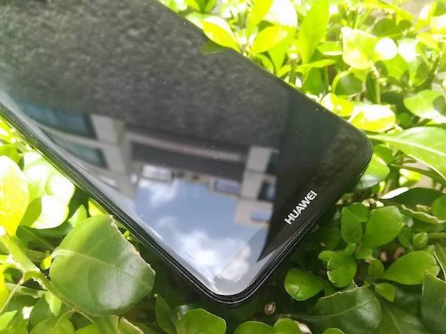 Rò rỉ ảnh rõ nét chiếc smartphone 4 camera đầu tiên của Huawei