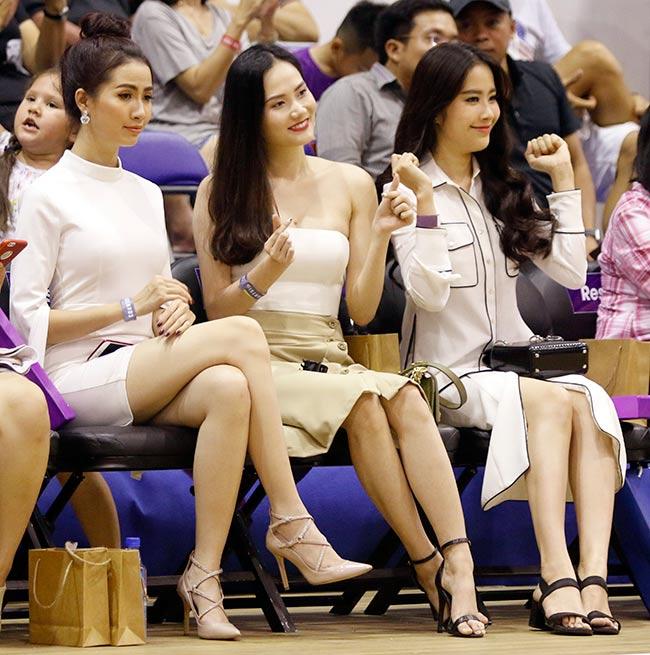 Dàn hoa hậu, hot girl gây sốt trên sân bóng rổ ở Sài Gòn 7
