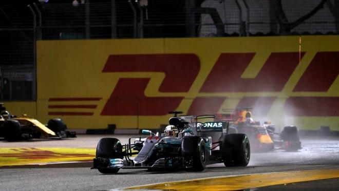 """Đua xe F1, Singapore GP: """"Thần may mắn"""" ngoảnh mặt, cơn ác mộng màu đỏ 2"""
