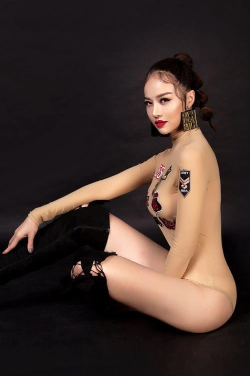 Choáng với áo tắm mặc như không của nàng hoa hậu Việt úp mở lấy đại gia - 3