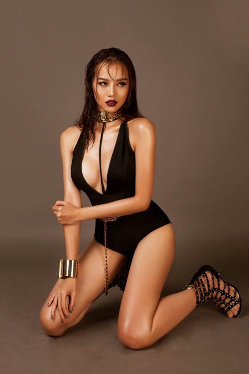 Choáng với áo tắm mặc như không của nàng hoa hậu Việt úp mở lấy đại gia - 7