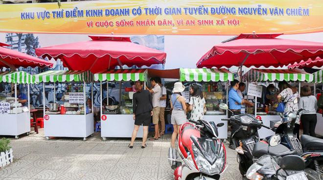 Hình ảnh bất ngờ phố hàng rong Sài Gòn sau 1 tháng đi vào hoạt động - 2