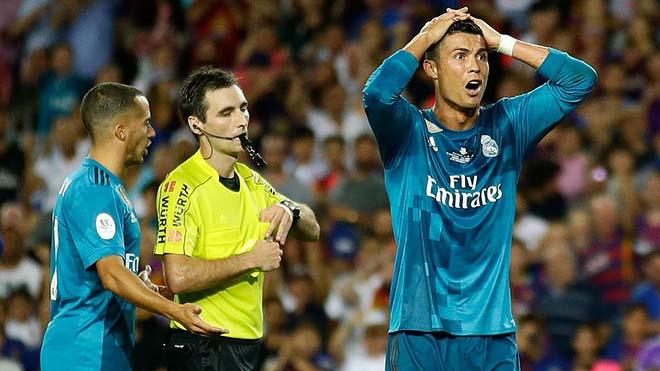 """""""Ngai vàng"""" Ronaldo lung lay: Hazard, Sanchez chờ chiếm chỗ 1"""