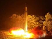 """Nhiên liệu  """" nọc độc của quỷ """"  giúp Triều Tiên phóng tên lửa đến Mỹ?"""