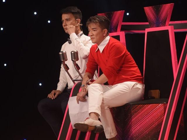 Mr. Đàm và Quang Lê tranh nhau cặp thí sinh U60