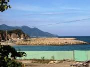 """"""" Nàng tiên cá """"  lấn vịnh Nha Trang"""
