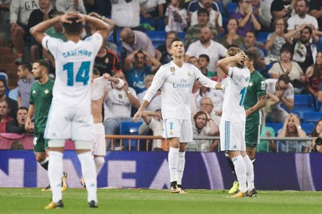Real thua sốc Betis, đứt chuỗi kỷ lục: Triệu fan Barca trêu chọc - 1