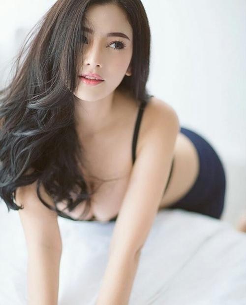 Chỉ cần mặc độc nội y, con gái Thái đủ khiến người ta đứng hình