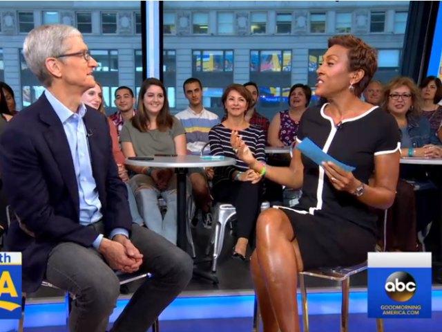 Tim Cook: iPhone X giá 1000 USD là xứng đáng