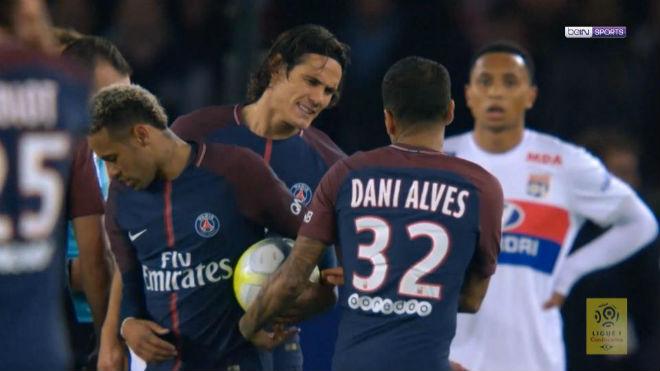 Biến ở PSG: Neymar hòa giải vẫn xui bán Cavani cho Real - 1