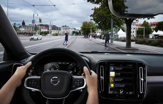 Volvo XC40 hoàn toàn mới có giá từ 755 triệu đồng - 6