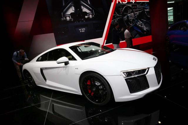 Siêu xe Audi R8 RWS đặc biệt có giá 3,4 tỷ đồng - 2