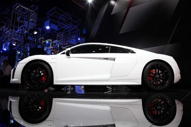 Siêu xe Audi R8 RWS đặc biệt có giá 3,4 tỷ đồng - 3
