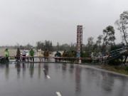 Cổng chào tiền tỷ, ẩn họa trên đường mùa mưa bão