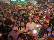 Người Sài Gòn như  hóa điên  vì chôn chân hàng giờ trên đường