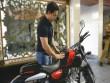 Xe máy - Xe đạp - LẠ: Tài tử Bollywood có 4 nghìn tỷ mua xe 24 triệu đồng